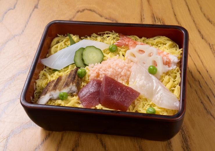 西宮北口寿司高辰名物ちらし寿司